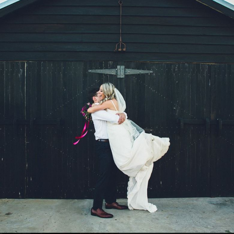 Fun, happy, chilled out wedding couples ROCK